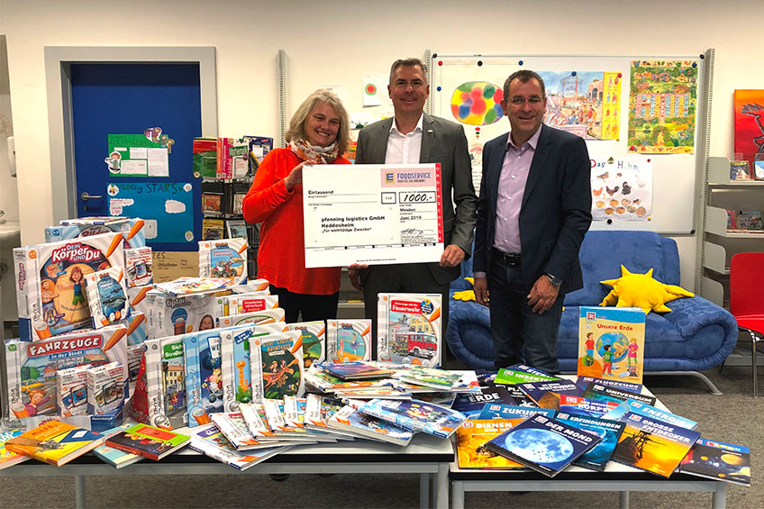 Schülerbibliothek der Grundschule Monsheim erhält 1.000€ Spende im Rahmen der Einweihungsfeier des multicube rheinhessen